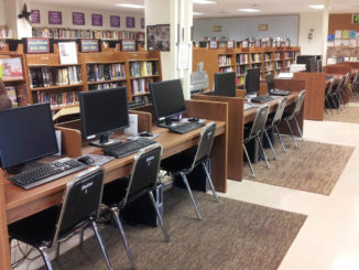 Computers and technology at a public library
