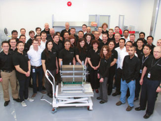 Mercedes-Benz Canada is pleased to announce that its Fuel Cell Division (MBFC) has made the 2017 List of Best Workplaces in Manufacturing. (CNW Group/Mercedes-Benz Canada Inc.)